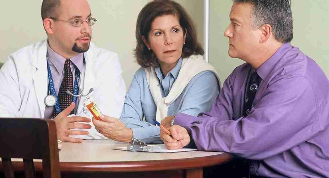 medico trattamento delle emorroidi
