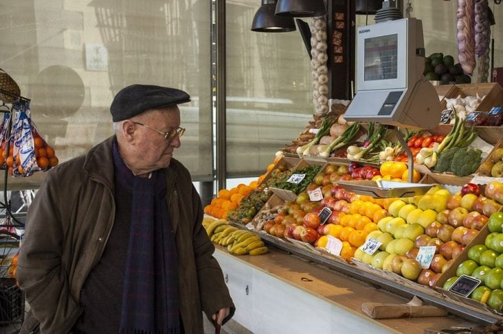 anziano alimentazione fibre diverticolosi